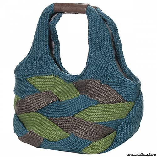 о том, как связать сумку крючком или спицами вы найдете на сайте Мой.